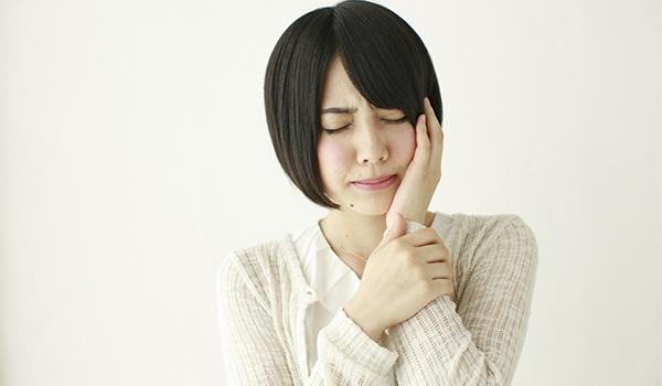 虫歯の放置と舌癌(ぜつがん)